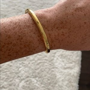 Beautiful Gold Bracelet With S detail